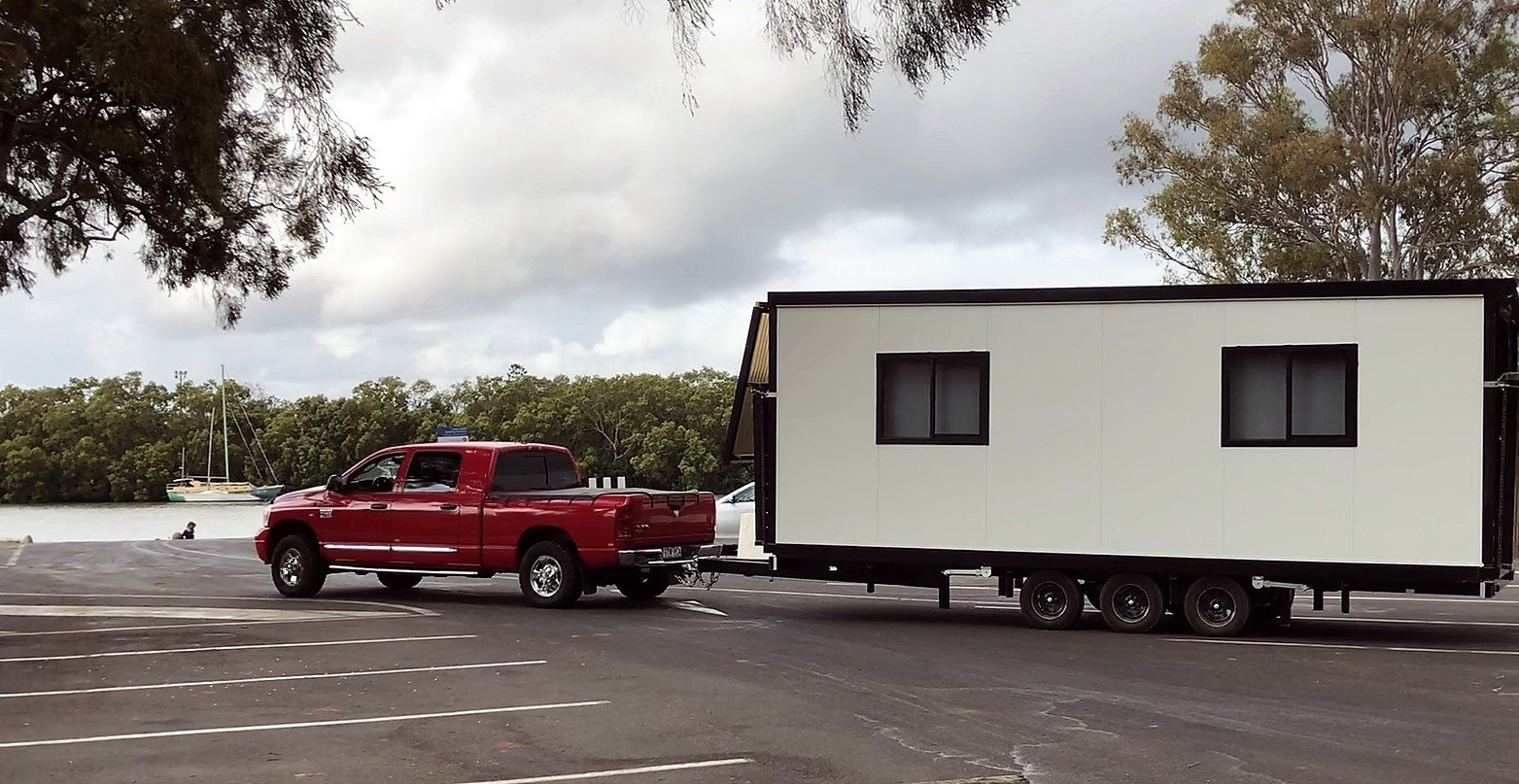 2bed with red truck_1.1.1